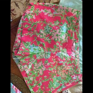 Lilly Pulitzer shorts size 2